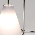 <p><strong><a href=pierre-charpin.html class=link-lightbox>Pierre Charpin</a></strong><br />Oggetti Lenti</p><p><strong>LAMPADA 28</strong><br />Table lamp in blown  glass by Venini and stainless steel.<br />d. 28 x h. 38 cm.</p><p>Limited edition of 20  signed and numbered pieces.</p>